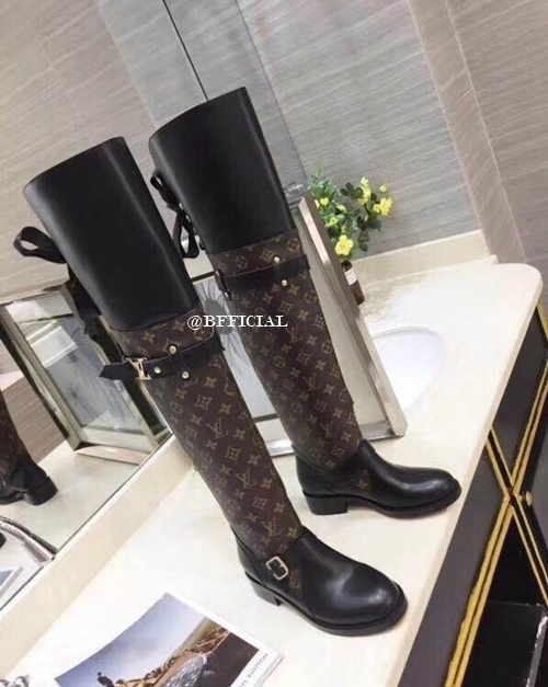 9019f04eeea LOUIS VUITTON Knee High Boots